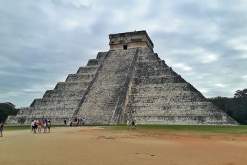 Main pyramid at Chichen Itza Maya ruins, Mexico